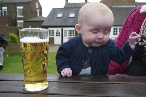 Thằng nhóc say rượu